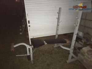 Multifunkcijska klop za dvigovanje uteži ter telovadbo